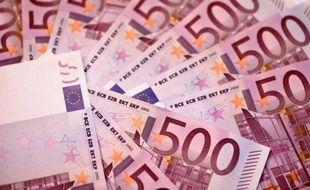 Le billet de 500 euros, montré du doigt pour son rôle dans le financement du terrorisme, va disparaître.