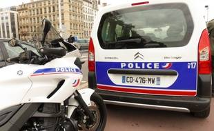 Le 7 octobre 2014, Lyon. La police accompagnée d'agents de la Dreal et d'inspecteurs du travail procède à Lyon à des contrôles du transport de marchandises par des véhicules utilitaires.
