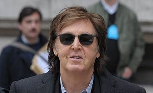 Le chanteur Paul MacCartney.