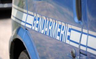Illustration: Véhicule de gendarmerie.