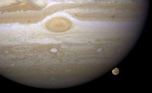 Jupiter et sa lune, Ganymède.