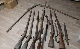 Des armes anciennes ont été découvertes dans le clocher d'une église d'Iffendic, en Ille-et-Vilaine.