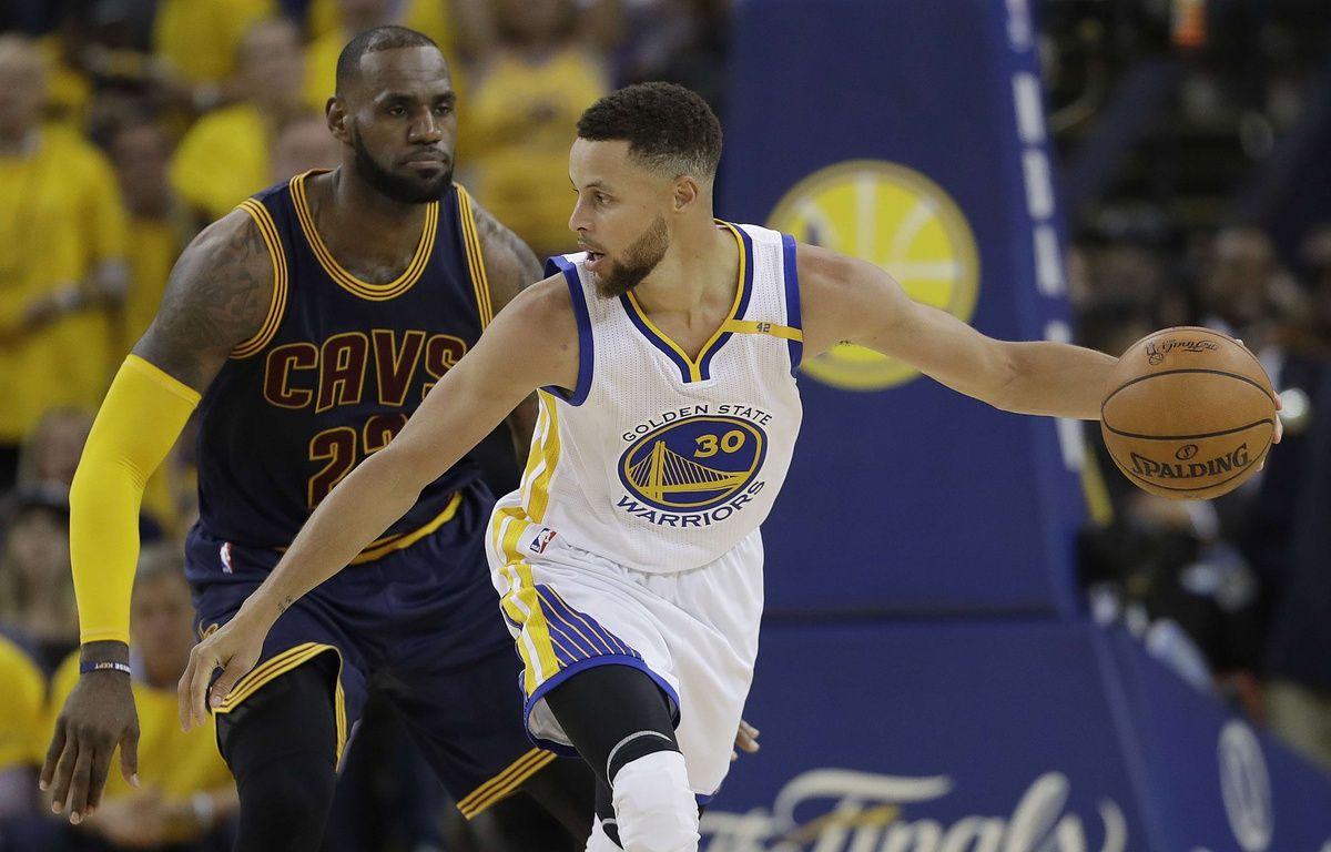 Stephen Curry domine LeBron James, et Golden State prend le large face à Cleveland en finale NBA.  – Marcio Jose Sanchez/AP/SIPA