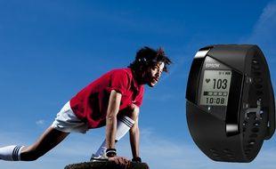 Particularité du bracelet, son capteur cardiaque au dos du cadran.