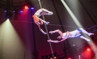 Les trapézistes Mendoza et le cirque d'Hiver Bouglione sont à Strasbourg, au Wacken, jusqu'au 3 janvier 2016.