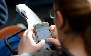 Les victimes reçoivent un SMS leur indiquant qu'un colis les attend dans un point-relais (photo d'illustration).