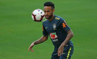 Neymar a ressenti des douleurs dans la région lombaire avec la Seleçao.