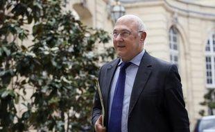 Après la Cour des comptes, c'est au printemps 2011 le procureur général de la Cour de cassation, à l'époque Jean-Louis Nadal, qui formule plusieurs griefs envers Mme Lagarde lors de la saisine de la CJR.