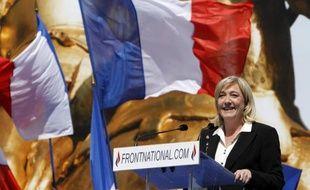Le vote blanc, qu'a choisi Marine Le Pen, sera scruté au second tour, mais il faudrait qu'il atteigne un niveau très important pour que la dirigeante du Front national puisse se vanter d'y avoir contribué, estiment les politologues.