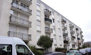 La façade de l'immeuble où habite la soeur de Bertrand Nzohabonayo à Joué-lès-Tours, le 21 décembre 2014