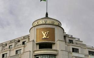 8a3661a18b140 La boutique Louis Vuitton avenue des Champs-Elysées à Paris a été victime d'