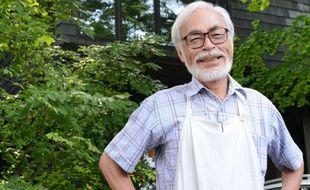 Le réalisateur de films d'animation Hayao Miyazaki, devant son studio de Koganei, à Tokyo, le 10 juillet 2013.