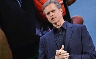 Mark Parker, le PDG de Nike, lors d'une conférence de presse, le 16 mars 2016.