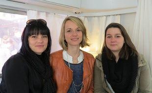 Laure, Marie et Sherylan vivent au quotidien avec la spondylarthrite, mais les trois jeunes femmes se serrent les coudes.