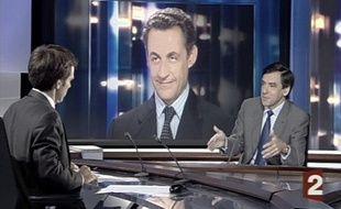 Capture d'écran de la dernière interview de François Fillon par David Pujadas sur le plateau du 20h de France 2, le 12 juin 2007.