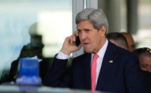 Le secrétaire d'Etat américain John Kerry est attendu vendredi en Israël pour discuter avec le Premier ministre israélien Benjamin Netanyahu du dossier nucléaire iranien