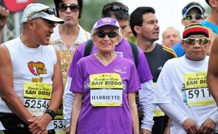 L'Américaine Harriette Thompson avant le départ d'un marathon, le 31 mai 2015 à Sain Diego.