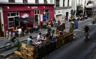 Le 19 mai, les terrasses rouvriront alors que le taux d'incidence reste élevé dans la région parisienne