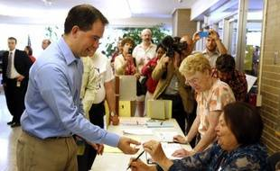Les habitants du Wisconsin (nord des Etats-Unis) se rendaient aux urnes mardi pour décider du sort du gouverneur républicain Scott Walker, connu pour ses attaques contre les droits syndicaux, dans un scrutin-test à cinq mois de la présidentielle américaine.