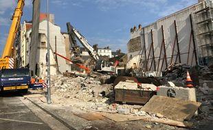 Démolition de l'hôtel de la Duchesse-Anne à Nantes, le 16 février 2021.