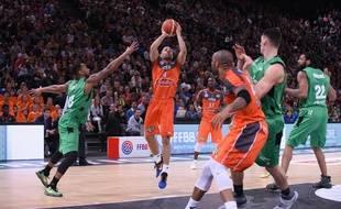 Le Manceau Chris Lofton, en grande réussite ce dimanche à trois points, a été élu MVP de cette finale de Coupe de France.