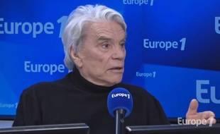 Bernard Tapie au micro d'Europe 1, le 4 mars 2019.