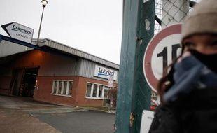 Devant l'usine Lubrizol, à Rouen, où une fuite de gaz a eu lieu le 22 janvier 2013.