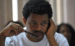 Le conflit qui touche encore la Guadeloupe et la Martinique devrait continuer à dominer la semaine sociale, alors que lundi à l'Assemblée nationale reprendra le débat sur la loi Bachelot, trois jours avant une mobilisation des hospitaliers contre ce texte.