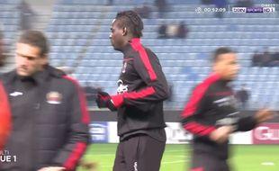 Capture d'écran de Mario Balotelli à l'échauffement à Bastia