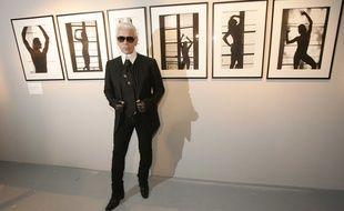 Karl Lagerfeld à son exposition au Tri Postal à Lille en 2008.
