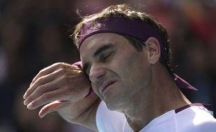 Roger Federer s'est qualifié pour les demi-finales de l'Open d'Australie après avoir sauvé sept balles de match contre Sandgren, le 28 janvier 2020.