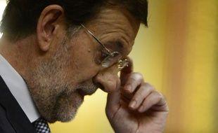 Le sévère plan de rigueur de 65 milliards d'euros annoncé par le gouvernement de droite espagnol devrait aider à réduire le déficit public du pays, comme l'exige l'Union européenne, mais aggraver la récession, selon des analystes.