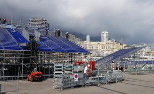 Jeudi, le montage des tribunes était presque achevé autour du port Hercule