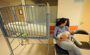 NANTES, le 10/12/2012 Le service des urgences pediatriques qui se voit deborde par une epidemie de bronchiolite