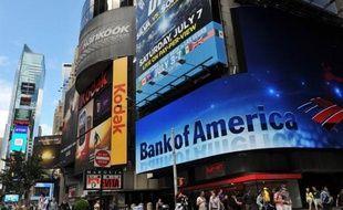 La banque Bank of America (BofA) a annoncé jeudi un bénéfice en très forte hausse pour 2012 à 2,8 milliards de dollars, meilleur que prévu, mais son chiffre d'affaires a reculé de 11% à 83,3 milliards de dollars, nettement en deçà des attentes.