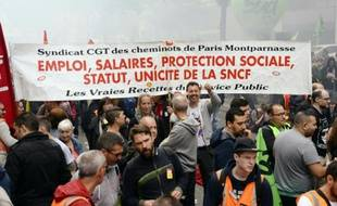 Manifestation de salariés de la SNCF à Paris, le 6 juin 2016