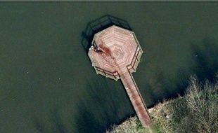 Capture d'écran d'un ponont à Almere (Pays-Bas) visible sur Google earth.