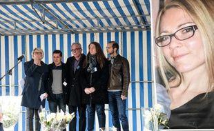 La famille et le mari d'Alexia Daval lors de l'hommage tenu dans la commune de Gray, en Haute-Saône, début novembre. Illustration