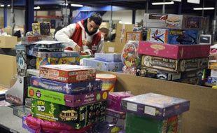"""Près des deux tiers des internautes français n'éprouveraient """"aucune gêne"""" à offrir des cadeaux d'occasion, selon une étude réalisée pour le site de ventes de particuliers PriceMinister à l'approche de Noël, publiée lundi."""
