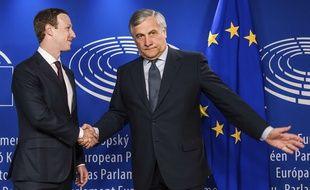 Mark Zuckerberg accueilli au Parlement européen par son président  Antonio Tajani.