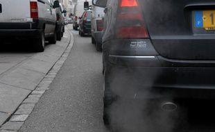 En vue d'un pic de pollution, le stationnement résidentiel est gratuit à Paris samedi 11 février  (Illustration).