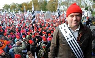 """Des Bonnets rouges dans les rues, un chômage toujours record, des plans sociaux d'ampleur,le dernier """"A"""" qui s'en va et une contestation fiscale tous azimuts: le gouvernement n'aura pas réussi en 2013 à dissiper le malaise sur le front économique et social."""