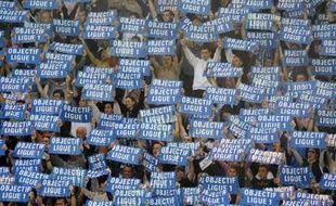 Les supporters de Grenoble lors du match contre Châteauroux, le 12 mai 2008.