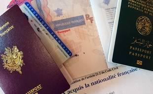 Des papiers d'identité. (Illustration)