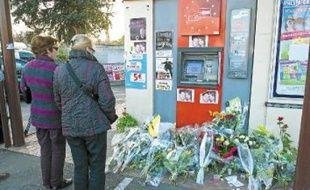 Trois militaires ont été pris pour cible, jeudidernier, à Montauban. Deux sont décédés sur le coup. Le troisième, touché à la moelle épinière, était toujours dans le coma dimanche soir.