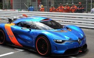 """Renault et le constructeur britannique Caterham ont annoncé lundi qu'ils allaient collaborer pour concevoir et produire des véhicules sportifs, qui reprendront """"l'ADN de l'Alpine"""", et seront fabriqués à Dieppe (Seine-Maritime)."""