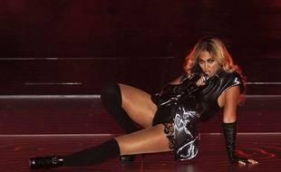 Beyoncé chante à la Nouvelle Orléans lors de la mi-temps du Super Bowl, le 3 février 2013.