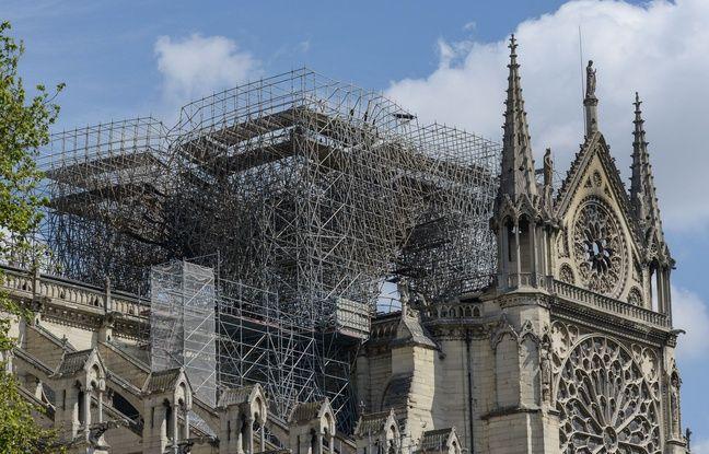 Paris: Il dessine Quasimodo en courant pour rendre hommage à Notre-Dame de Paris