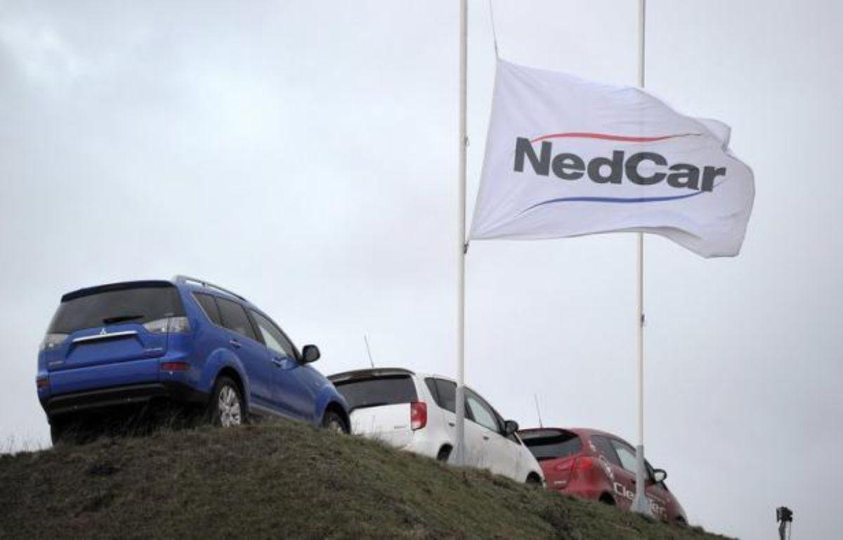 Le constructeur d'automobiles japonais Mitsubishi Motors a annoncé mercredi la vente d'ici à la fin de l'année de son usine des Pays-Bas, NedCar, à l'entreprise néerlandaise VDL Groep pour un euro symbolique, en échange d'un engagement à conserver les 1.500 employés du site. – Marcel van Hoorn afp.com