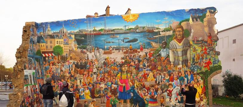 La fresque murale de Royal de luxe, conçue par l'illustrateur David Bartex.